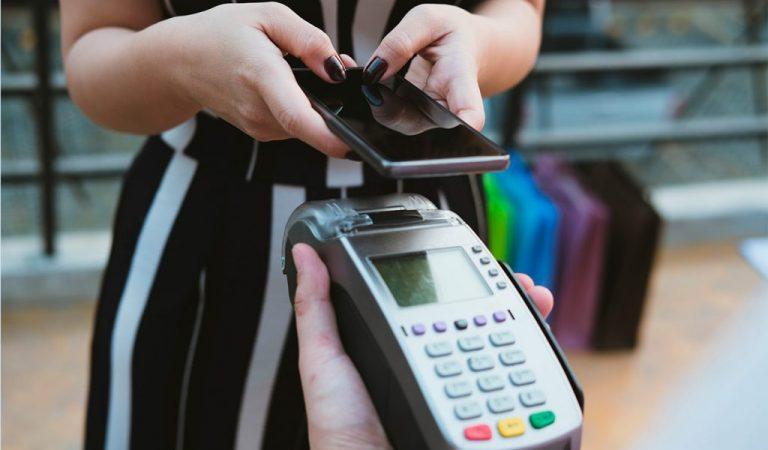 Descubra como funciona o pagamento por aproximação